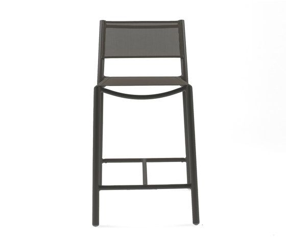 https://res.cloudinary.com/clippings/image/upload/t_big/dpr_auto,f_auto,w_auto/v1/product_bases/nc8733-highchair-by-maiori-design-maiori-design-clippings-5106902.jpg