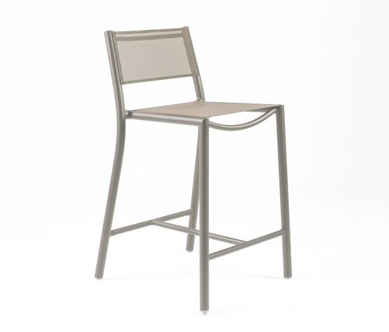 https://res.cloudinary.com/clippings/image/upload/t_big/dpr_auto,f_auto,w_auto/v1/product_bases/nc8733-highchair-by-maiori-design-maiori-design-clippings-5107072.jpg