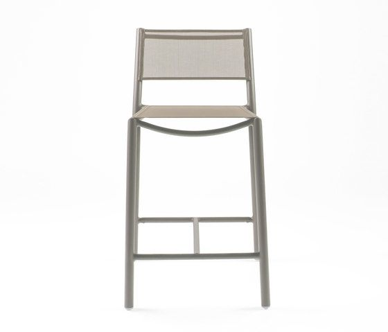 https://res.cloudinary.com/clippings/image/upload/t_big/dpr_auto,f_auto,w_auto/v1/product_bases/nc8733-highchair-by-maiori-design-maiori-design-clippings-5107162.jpg