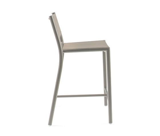 https://res.cloudinary.com/clippings/image/upload/t_big/dpr_auto,f_auto,w_auto/v1/product_bases/nc8733-highchair-by-maiori-design-maiori-design-clippings-5107242.jpg