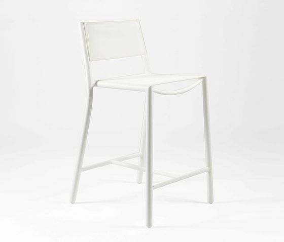https://res.cloudinary.com/clippings/image/upload/t_big/dpr_auto,f_auto,w_auto/v1/product_bases/nc8733-highchair-by-maiori-design-maiori-design-clippings-5107302.jpg