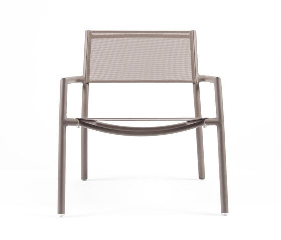 https://res.cloudinary.com/clippings/image/upload/t_big/dpr_auto,f_auto,w_auto/v1/product_bases/nc8735-low-armchair-by-maiori-design-maiori-design-clippings-7674432.jpg