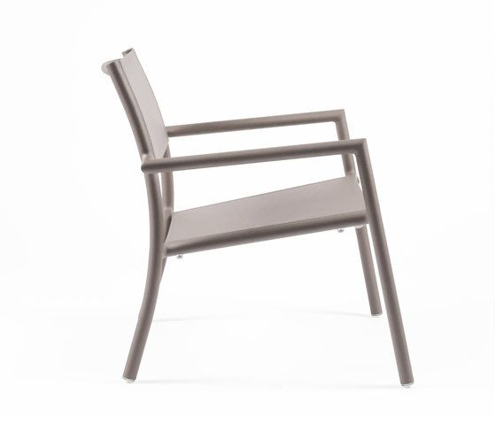 https://res.cloudinary.com/clippings/image/upload/t_big/dpr_auto,f_auto,w_auto/v1/product_bases/nc8735-low-armchair-by-maiori-design-maiori-design-clippings-7674502.jpg