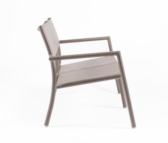 https://res.cloudinary.com/clippings/image/upload/t_big/dpr_auto,f_auto,w_auto/v1/product_bases/nc8737-loveseat-by-maiori-design-maiori-design-clippings-8269812.jpg