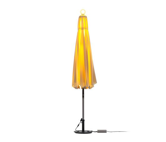 https://res.cloudinary.com/clippings/image/upload/t_big/dpr_auto,f_auto,w_auto/v1/product_bases/ni-parasol-300-sunbrella-by-foxcat-design-limited-foxcat-design-limited-terry-cho-clippings-4002642.jpg