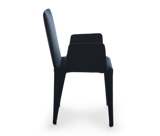https://res.cloudinary.com/clippings/image/upload/t_big/dpr_auto,f_auto,w_auto/v1/product_bases/nova-chair-with-armrests-by-eponimo-eponimo-federico-carandini-clippings-1854502.jpg