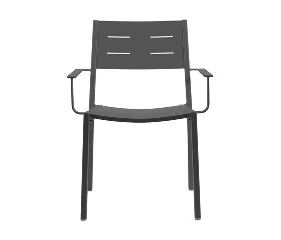 https://res.cloudinary.com/clippings/image/upload/t_big/dpr_auto,f_auto,w_auto/v1/product_bases/ns9526-armchair-by-maiori-design-maiori-design-clippings-6301642.jpg