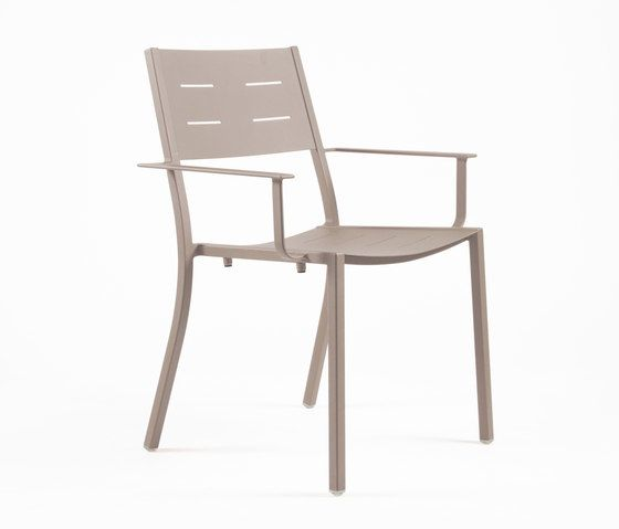 https://res.cloudinary.com/clippings/image/upload/t_big/dpr_auto,f_auto,w_auto/v1/product_bases/ns9526-armchair-by-maiori-design-maiori-design-clippings-6302062.jpg