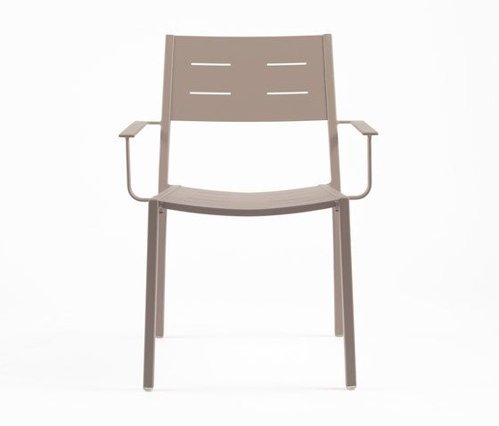 https://res.cloudinary.com/clippings/image/upload/t_big/dpr_auto,f_auto,w_auto/v1/product_bases/ns9526-armchair-by-maiori-design-maiori-design-clippings-6302152.jpg