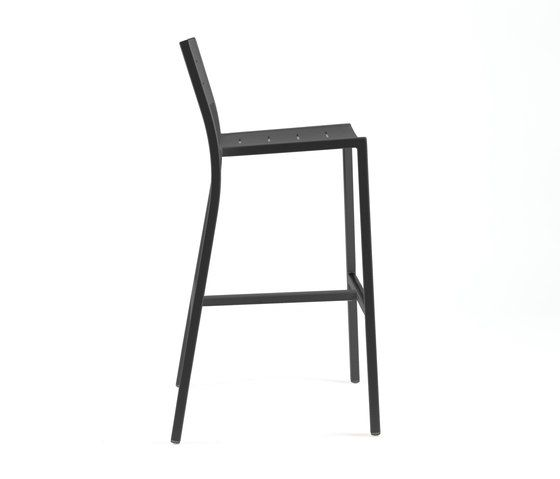 https://res.cloudinary.com/clippings/image/upload/t_big/dpr_auto,f_auto,w_auto/v1/product_bases/ns9534-highchair-by-maiori-design-maiori-design-clippings-4930732.jpg