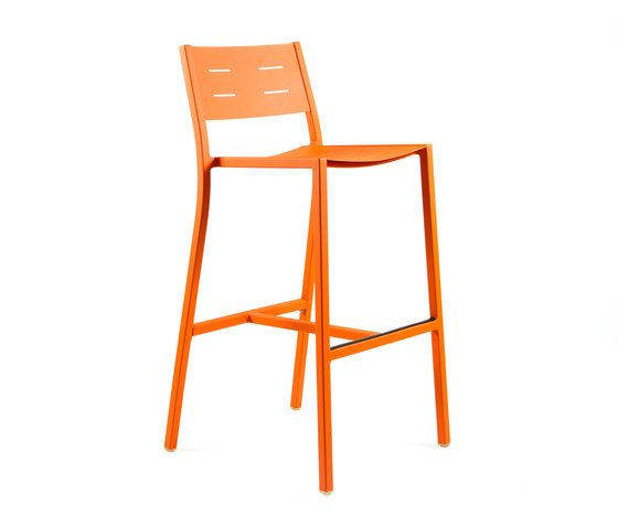 https://res.cloudinary.com/clippings/image/upload/t_big/dpr_auto,f_auto,w_auto/v1/product_bases/ns9534-highchair-by-maiori-design-maiori-design-clippings-4931322.jpg