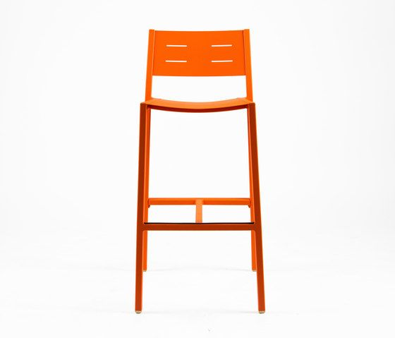https://res.cloudinary.com/clippings/image/upload/t_big/dpr_auto,f_auto,w_auto/v1/product_bases/ns9534-highchair-by-maiori-design-maiori-design-clippings-4931402.jpg