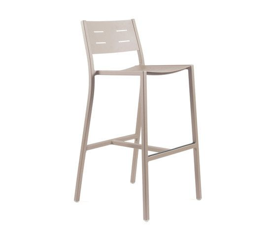 https://res.cloudinary.com/clippings/image/upload/t_big/dpr_auto,f_auto,w_auto/v1/product_bases/ns9534-highchair-by-maiori-design-maiori-design-clippings-4931552.jpg