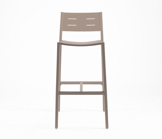 https://res.cloudinary.com/clippings/image/upload/t_big/dpr_auto,f_auto,w_auto/v1/product_bases/ns9534-highchair-by-maiori-design-maiori-design-clippings-4931642.jpg