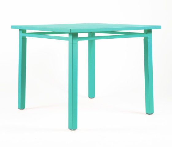 https://res.cloudinary.com/clippings/image/upload/t_big/dpr_auto,f_auto,w_auto/v1/product_bases/ns9556-table-by-maiori-design-maiori-design-clippings-3560562.jpg