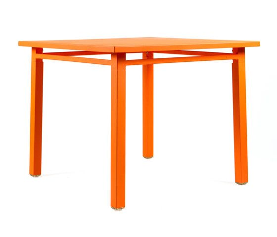 https://res.cloudinary.com/clippings/image/upload/t_big/dpr_auto,f_auto,w_auto/v1/product_bases/ns9556-table-by-maiori-design-maiori-design-clippings-3560612.jpg