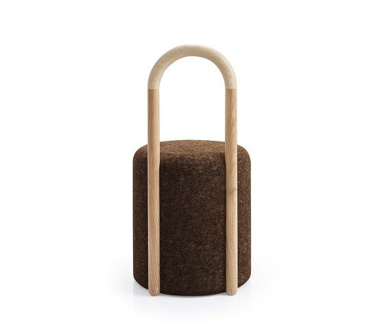 https://res.cloudinary.com/clippings/image/upload/t_big/dpr_auto,f_auto,w_auto/v1/product_bases/omega-chair-3-by-blackcork-blackcork-toni-grilo-clippings-3634482.jpg