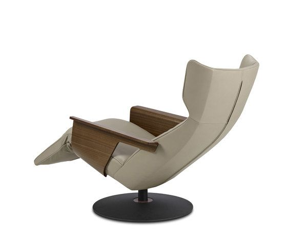 https://res.cloudinary.com/clippings/image/upload/t_big/dpr_auto,f_auto,w_auto/v1/product_bases/orea-relaxchair-by-jori-jori-christophe-giraud-clippings-6442282.jpg