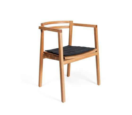 https://res.cloudinary.com/clippings/image/upload/t_big/dpr_auto,f_auto,w_auto/v1/product_bases/oxno-armchair-by-skargaarden-skargaarden-matilda-lindblom-clippings-7141582.jpg