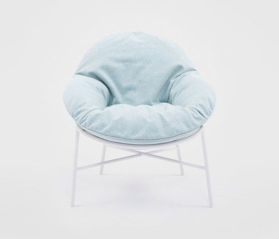 https://res.cloudinary.com/clippings/image/upload/t_big/dpr_auto,f_auto,w_auto/v1/product_bases/oyster-armchair-by-comforty-comforty-krystian-kowalski-clippings-4630282.jpg