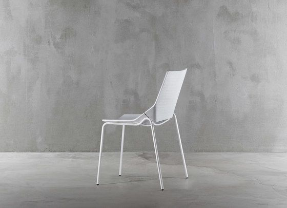 https://res.cloudinary.com/clippings/image/upload/t_big/dpr_auto,f_auto,w_auto/v1/product_bases/paper-chair-1610-20-by-plank-plank-anna-giuffrida-raul-barbieri-clippings-2553222.jpg