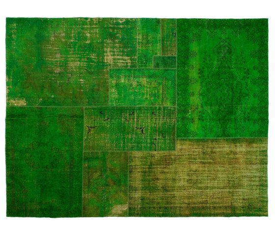 https://res.cloudinary.com/clippings/image/upload/t_big/dpr_auto,f_auto,w_auto/v1/product_bases/patchwork-decolorized-green-by-golran-1898-golran-1898-clippings-4140882.jpg
