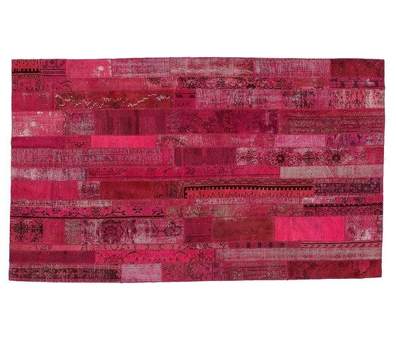https://res.cloudinary.com/clippings/image/upload/t_big/dpr_auto,f_auto,w_auto/v1/product_bases/patchwork-restyled-pink-by-golran-1898-golran-1898-clippings-4082612.jpg