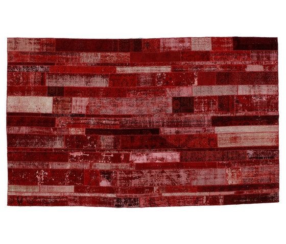 https://res.cloudinary.com/clippings/image/upload/t_big/dpr_auto,f_auto,w_auto/v1/product_bases/patchwork-restyled-red-by-golran-1898-golran-1898-clippings-3928342.jpg