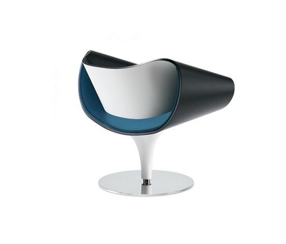 https://res.cloudinary.com/clippings/image/upload/t_big/dpr_auto,f_auto,w_auto/v1/product_bases/perillo-lounge-chair-by-zuco-zuco-martin-ballendat-clippings-2190292.jpg