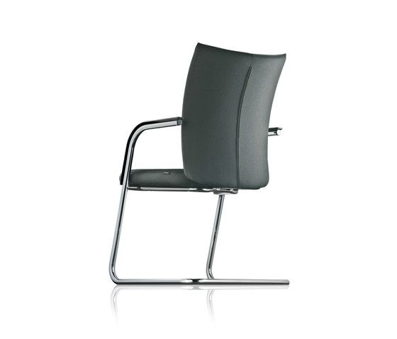 https://res.cloudinary.com/clippings/image/upload/t_big/dpr_auto,f_auto,w_auto/v1/product_bases/pharao-cantilever-chair-by-froscher-froscher-sigurd-rothe-clippings-2306442.jpg