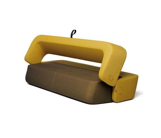 https://res.cloudinary.com/clippings/image/upload/t_big/dpr_auto,f_auto,w_auto/v1/product_bases/revolve-sofa-by-prostoria-prostoria-ivana-borovnjak-numenfor-use-roberta-bratovic-clippings-1685082.jpg