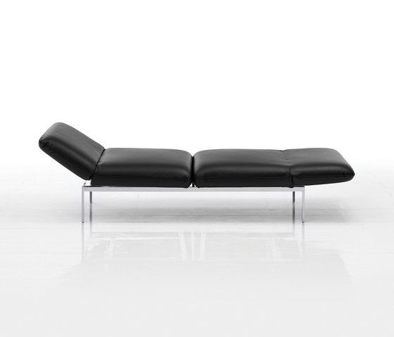 https://res.cloudinary.com/clippings/image/upload/t_big/dpr_auto,f_auto,w_auto/v1/product_bases/roro-small-reclining-chair-by-bruhl-bruhl-roland-meyer-bruhl-clippings-5173832.jpg