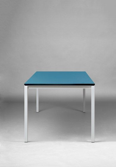 https://res.cloudinary.com/clippings/image/upload/t_big/dpr_auto,f_auto,w_auto/v1/product_bases/s-600-cpsdesign-table-hpl-by-janua-christian-seisenberger-janua-christian-seisenberger-claus-p-seipp-clippings-3607202.jpg
