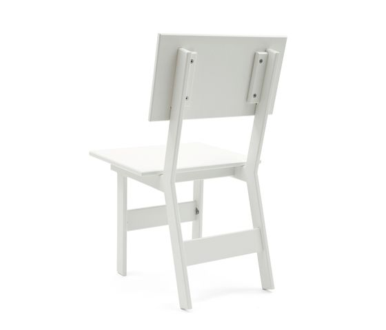 https://res.cloudinary.com/clippings/image/upload/t_big/dpr_auto,f_auto,w_auto/v1/product_bases/salmela-emin-outdoor-dining-chair-by-loll-designs-loll-designs-david-salmela-clippings-6809042.jpg