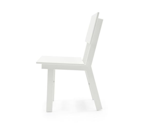 https://res.cloudinary.com/clippings/image/upload/t_big/dpr_auto,f_auto,w_auto/v1/product_bases/salmela-emin-outdoor-dining-chair-by-loll-designs-loll-designs-david-salmela-clippings-6809242.jpg