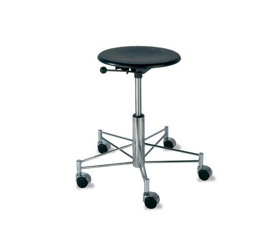 https://res.cloudinary.com/clippings/image/upload/t_big/dpr_auto,f_auto,w_auto/v1/product_bases/se-43-swivel-stool-by-wilde-spieth-wilde-spieth-egon-eiermann-clippings-3248032.jpg