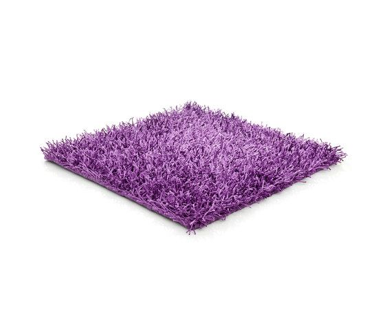 https://res.cloudinary.com/clippings/image/upload/t_big/dpr_auto,f_auto,w_auto/v1/product_bases/sg-polly-outdoor-royal-lilac-by-kymo-kymo-clippings-4395992.jpg
