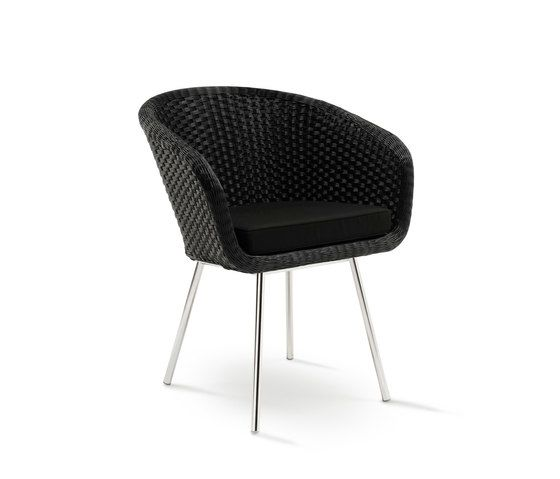 Shell Chair by FueraDentro by FueraDentro