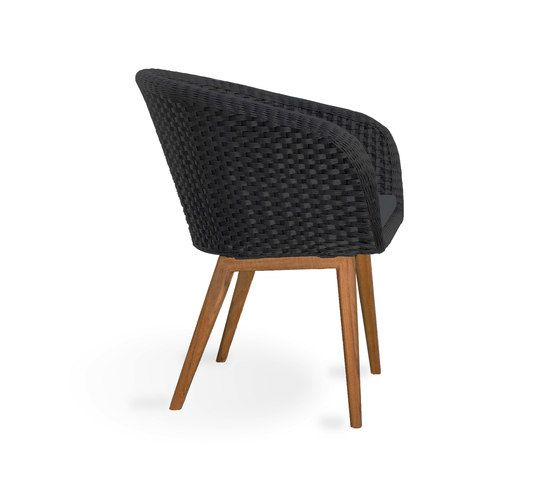 https://res.cloudinary.com/clippings/image/upload/t_big/dpr_auto,f_auto,w_auto/v1/product_bases/shell-chair-teak-by-fueradentro-fueradentro-clippings-6768952.jpg