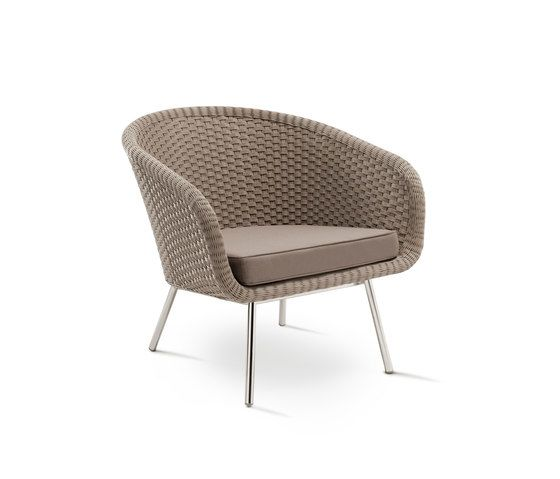 Shell Easy Chair by FueraDentro by FueraDentro
