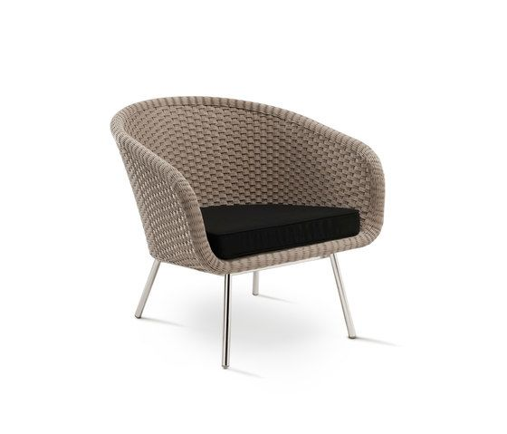 https://res.cloudinary.com/clippings/image/upload/t_big/dpr_auto,f_auto,w_auto/v1/product_bases/shell-easy-chair-by-fueradentro-fueradentro-jan-des-bouvrie-clippings-2118552.jpg