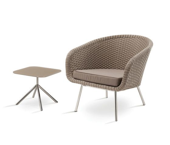 https://res.cloudinary.com/clippings/image/upload/t_big/dpr_auto,f_auto,w_auto/v1/product_bases/shell-easy-chair-by-fueradentro-fueradentro-jan-des-bouvrie-clippings-2118562.jpg