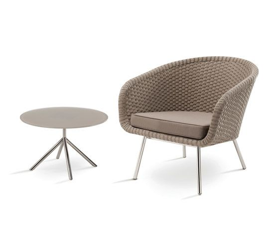https://res.cloudinary.com/clippings/image/upload/t_big/dpr_auto,f_auto,w_auto/v1/product_bases/shell-easy-chair-by-fueradentro-fueradentro-jan-des-bouvrie-clippings-2118582.jpg