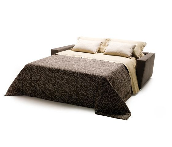 https://res.cloudinary.com/clippings/image/upload/t_big/dpr_auto,f_auto,w_auto/v1/product_bases/shorter-by-milano-bedding-milano-bedding-alessandro-elli-clippings-6462222.jpg