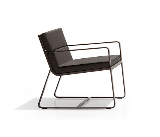 https://res.cloudinary.com/clippings/image/upload/t_big/dpr_auto,f_auto,w_auto/v1/product_bases/sit-low-armchair-by-bivaq-bivaq-andres-bluth-clippings-5930742.jpg