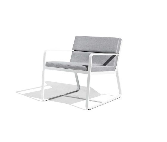 https://res.cloudinary.com/clippings/image/upload/t_big/dpr_auto,f_auto,w_auto/v1/product_bases/sit-low-armchair-white-by-bivaq-bivaq-andres-bluth-clippings-3856552.jpg