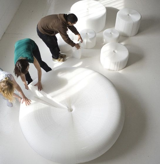 https://res.cloudinary.com/clippings/image/upload/t_big/dpr_auto,f_auto,w_auto/v1/product_bases/softseating-white-textile-lounger-by-molo-molo-stephanie-forsythe-todd-macallen-clippings-5794102.jpg