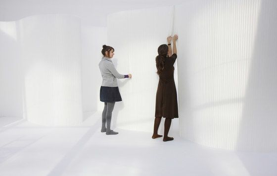 https://res.cloudinary.com/clippings/image/upload/t_big/dpr_auto,f_auto,w_auto/v1/product_bases/softwall-white-textile-by-molo-molo-stephanie-forsythe-todd-macallen-clippings-4936942.jpg