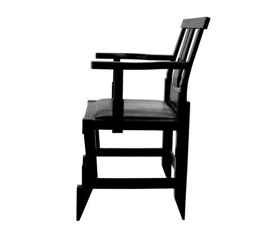 https://res.cloudinary.com/clippings/image/upload/t_big/dpr_auto,f_auto,w_auto/v1/product_bases/solitar-armchair-by-kallemo-kallemo-john-kandell-clippings-6415162.jpg