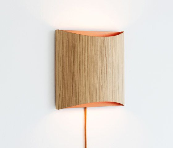 https://res.cloudinary.com/clippings/image/upload/t_big/dpr_auto,f_auto,w_auto/v1/product_bases/sophie-wall-oak-copper-with-cable-by-lasfera-lasfera-henri-garbers-clippings-5701642.jpg